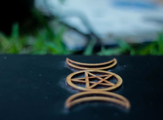 Satanic symbols - photo by Halanna Halila-unsplash